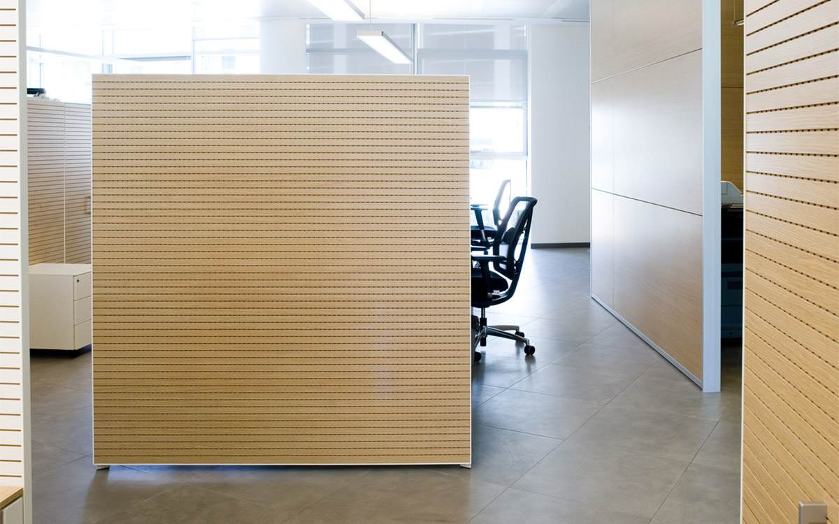 SOUND ABSORBING WOOD
